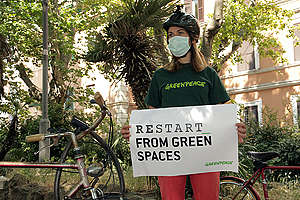 Hack Your City - Activity in Rome. © Tommaso Galli / Greenpeace