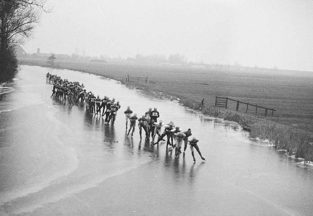 Dankzij de opwarming van de aarde mislukt het in Nederland al jaren om de Elfstedentocht te houden. In 1997 was de laatste en het ziet er niet naar uit dat het binnenkort wel gaat lukken...