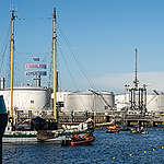 Waarom we Shell's olieraffinaderij blokkeren met reclames