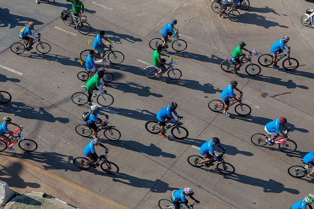 'Act for Arctic' Ice Ride in Thailand. © Roengchai  Kongmuang / Greenpeace