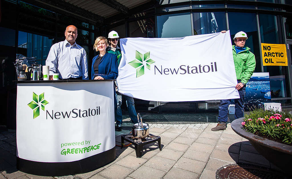 Action at Statoil AGM 2014 in Norway. © Greenpeace / Edward Beskow