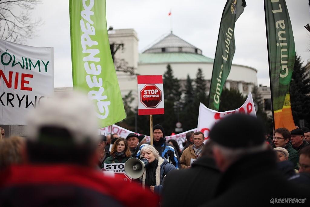 Protest pod gmachem Sejmu