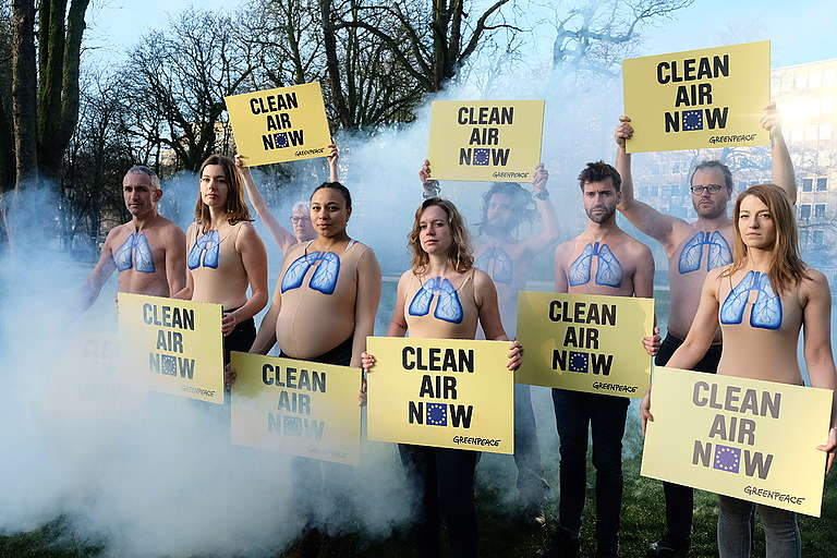 Clean Air Action in Brussels. © Tim Dirven / Greenpeace