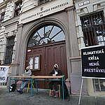 Tváre aktivizmu: 2.časť študentské hnutie Z lavíc do Ulíc