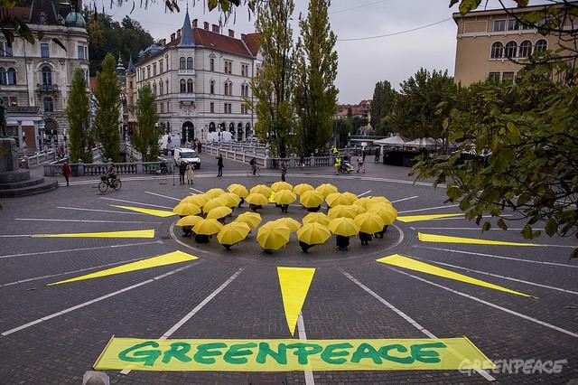 Sonce na Prešernovem trgu. (c) Šejić / Greenpeace.