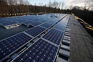 Solar Power: Photovoltaic Installation on University Roof. © Tim Shaffer / Greenpeace