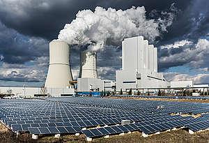 Lignite Power Plant Lippendorf in Germany. © Paul Langrock / Greenpeace
