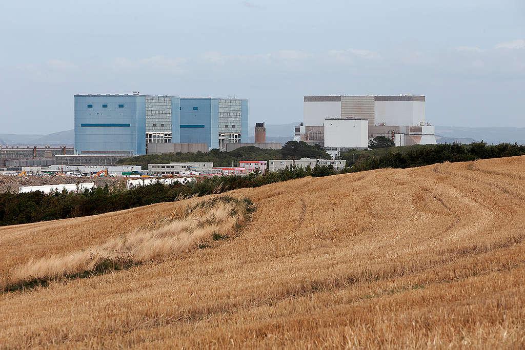 Hinkley Point Nuclear Power Station in UK. © Jiri Rezac / Greenpeace