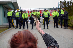 Land Defenders Protest at Kinder Morgan Tank Farm in British Columbia. © Rogue Collective / Greenpeace
