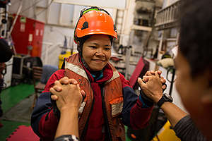 Activists Prepare to Protest Dirty Palm Oil in the Atlantic Ocean. © Jeremy Sutton-Hibbert / Greenpeace