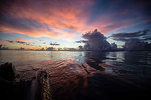 Sunset in Indian Ocean. © Will Rose / Greenpeace