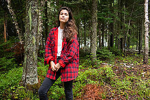 Philippa Duchatel de Montroute in Canada. © Rémy Huberdeau / Greenpeace