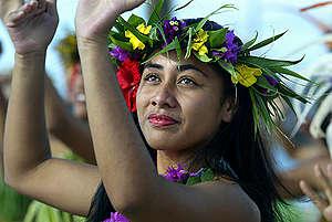 Korero Maori Dance Troop in Rarotonga. © Greenpeace / James Alcock
