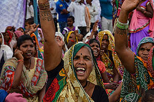 Women of the Mahan Forests, Madhya Pradesh in India. © Siddhant Mohan / Greenpeace