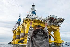 Audrey vs The Machine in Pacific Ocean. © Greenpeace / Keri Coles