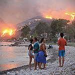 Klimatkrisen eldar på bränder över hela världen