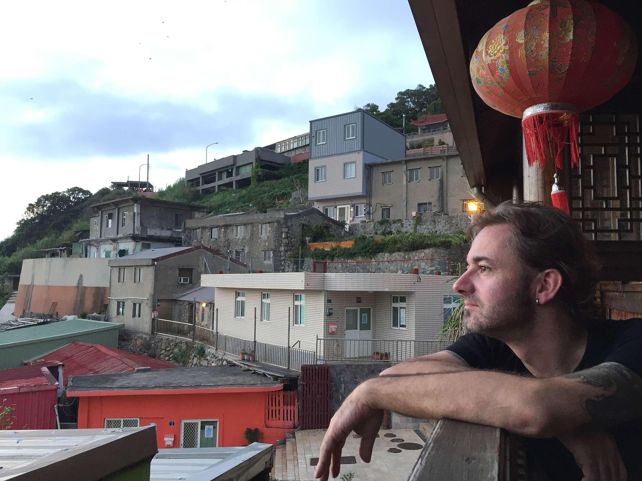 高林翰現在居住於臺灣,持續為守護全球海洋而努力,照片攝於馬祖。