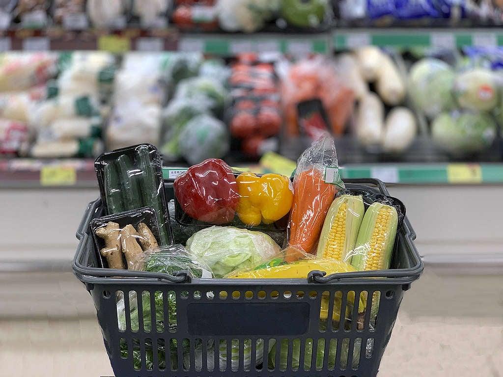 超市、超商、零售 商品使用一次性塑膠包裝