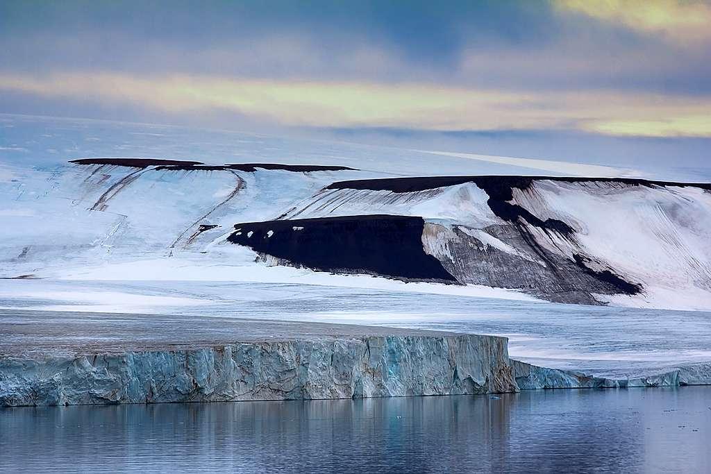 極地變得更容易進出,恐令這片淨土成為企業及各地政府爭相開發的目標。
