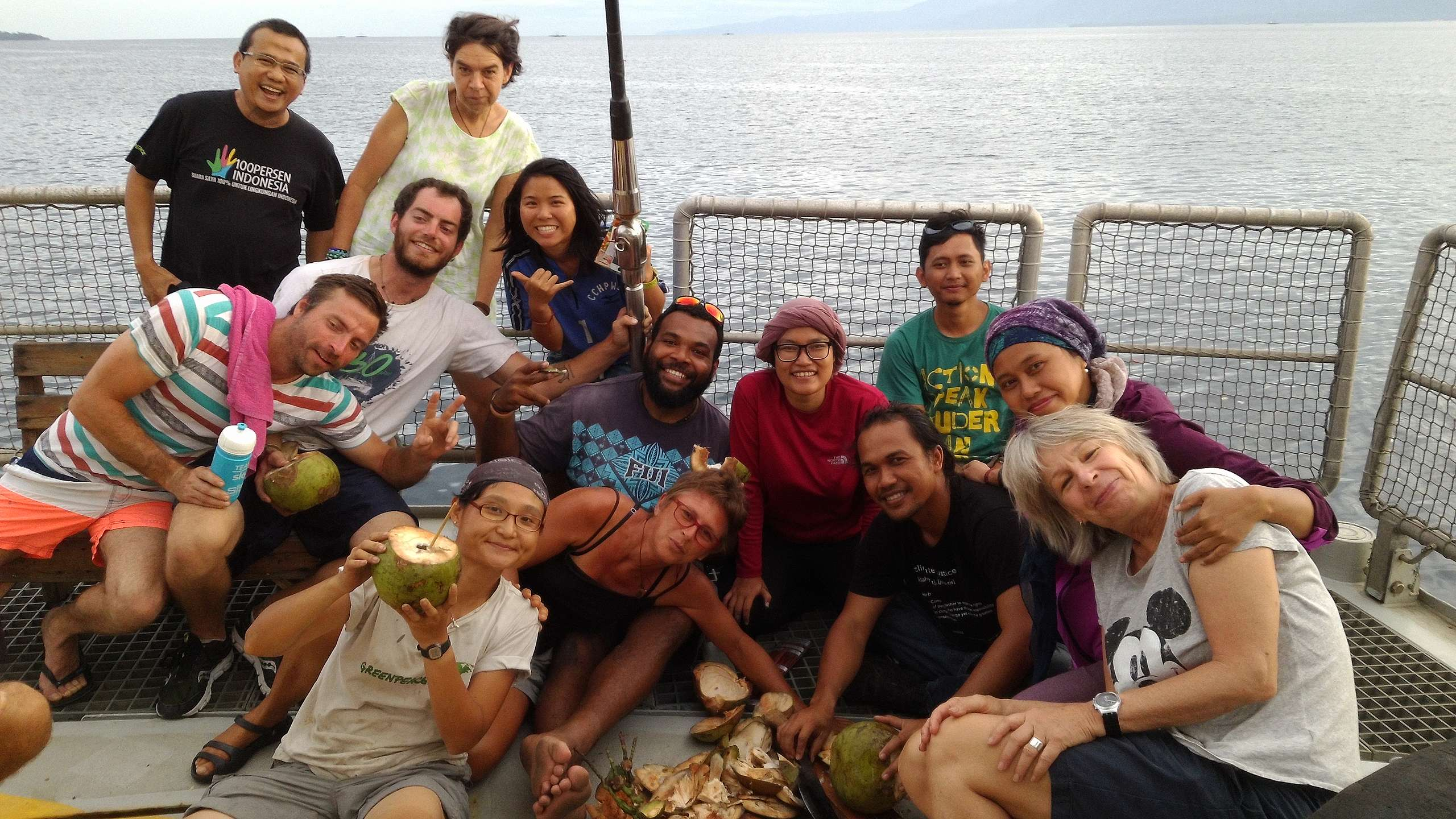 綠色和平船艦的人員來自各個國家,每個人都對守護環境懷抱極大熱忱。