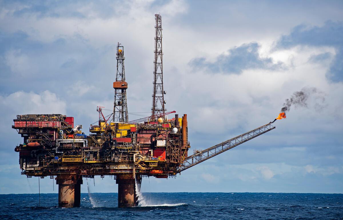 北海上英屬區域的油田。