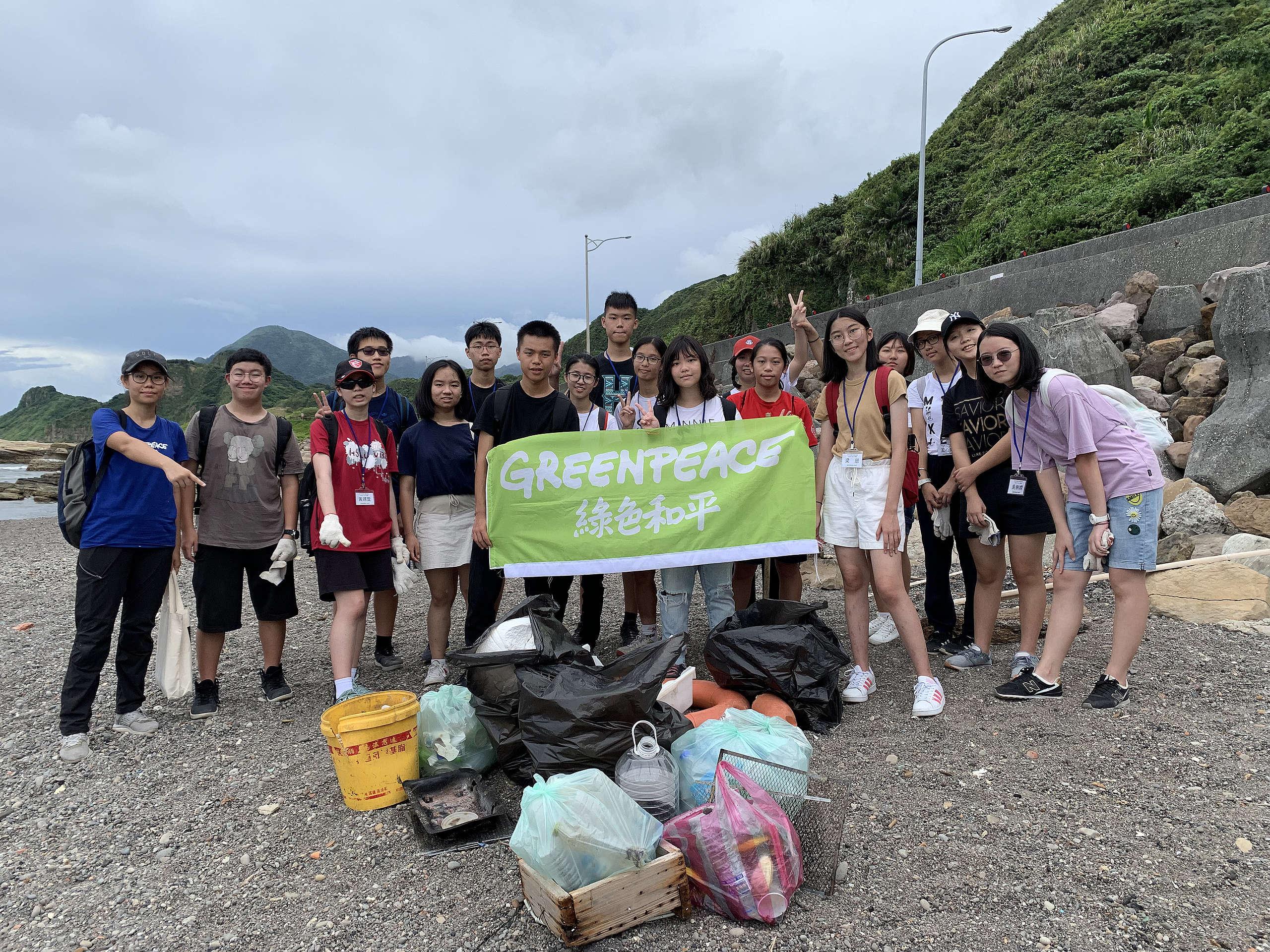 透過海廢快篩的活動,讓同學們體認到我們的海洋正被大量垃圾污染,進而思考如何從源頭解決問題。