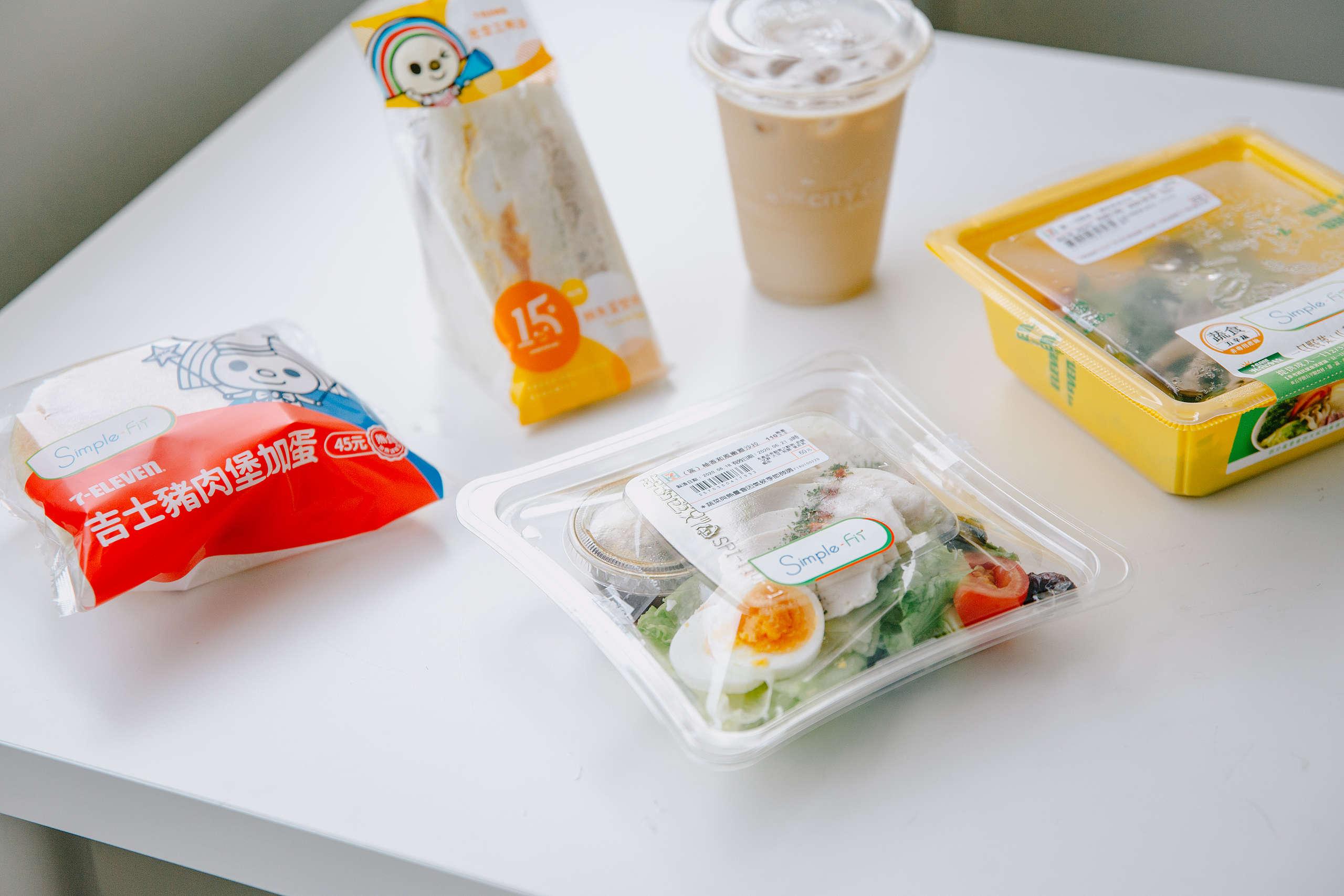 即買即食的超商食品,帶給消費者更便利的生活體驗,然而在「方便」的背後,卻隱藏著一次性包裝帶來的垃圾問題。