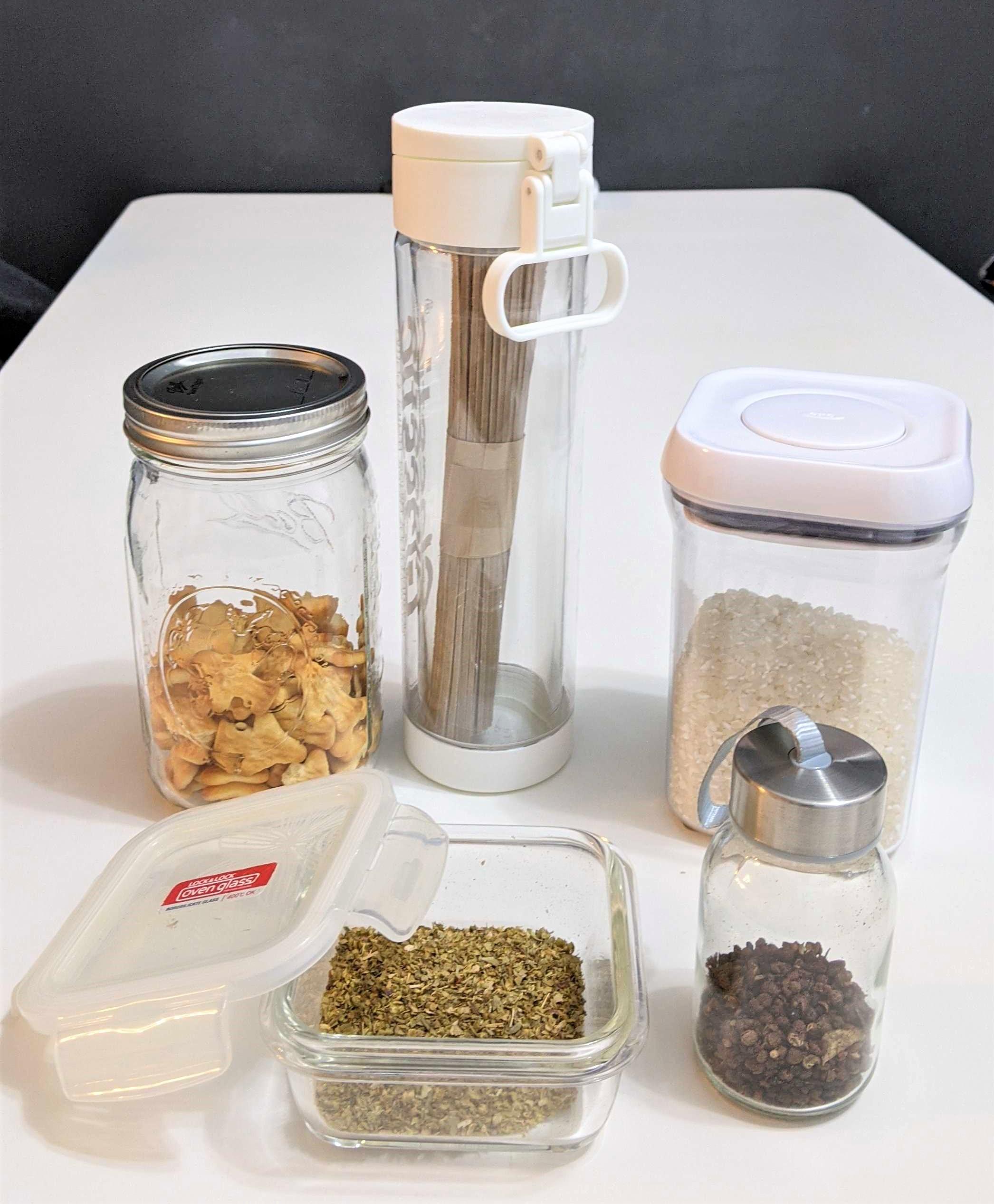 自備環保容器採買食材,不僅衛生又美觀,還能控制購買份量避免浪費,而且減少不必要的一次性塑膠包裝。
