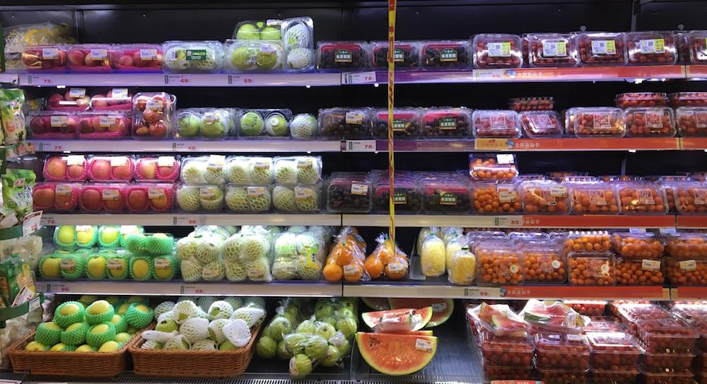 臺灣零售通路企業仍十分倚賴塑膠,尤其生鮮產品使用塑膠包裝的比例高達9成。