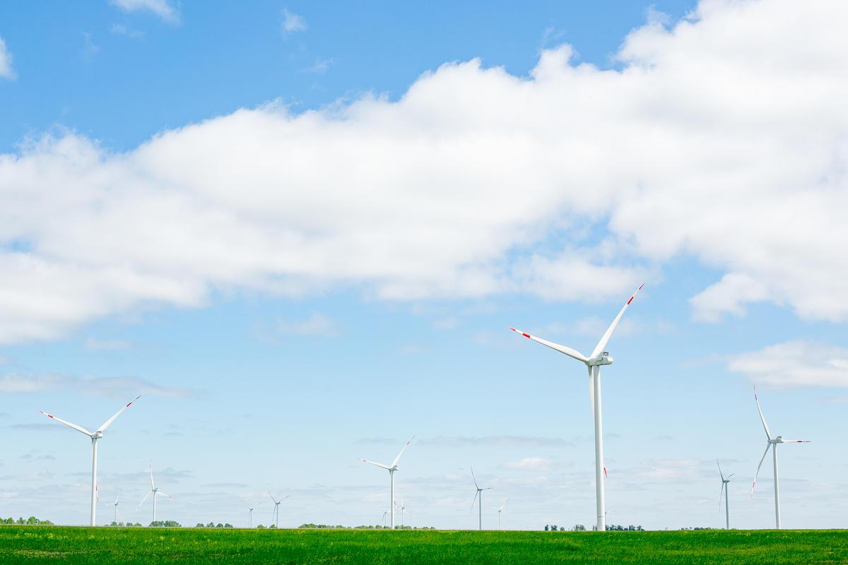 以永續的再生能源取代化石燃料發電,才能真正解決空氣污染的危機,為您我爭取更潔淨安全的未來。