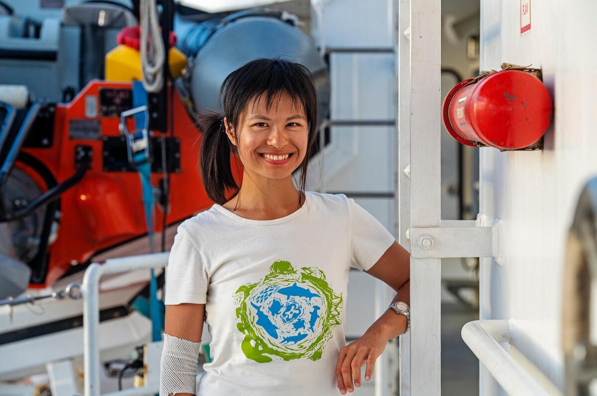 來自臺灣的黃毓琪(Kelly),參與2021年「太平洋船艦見證之旅」航程,與支持者分享調查結果,了解海洋被破壞的真相。