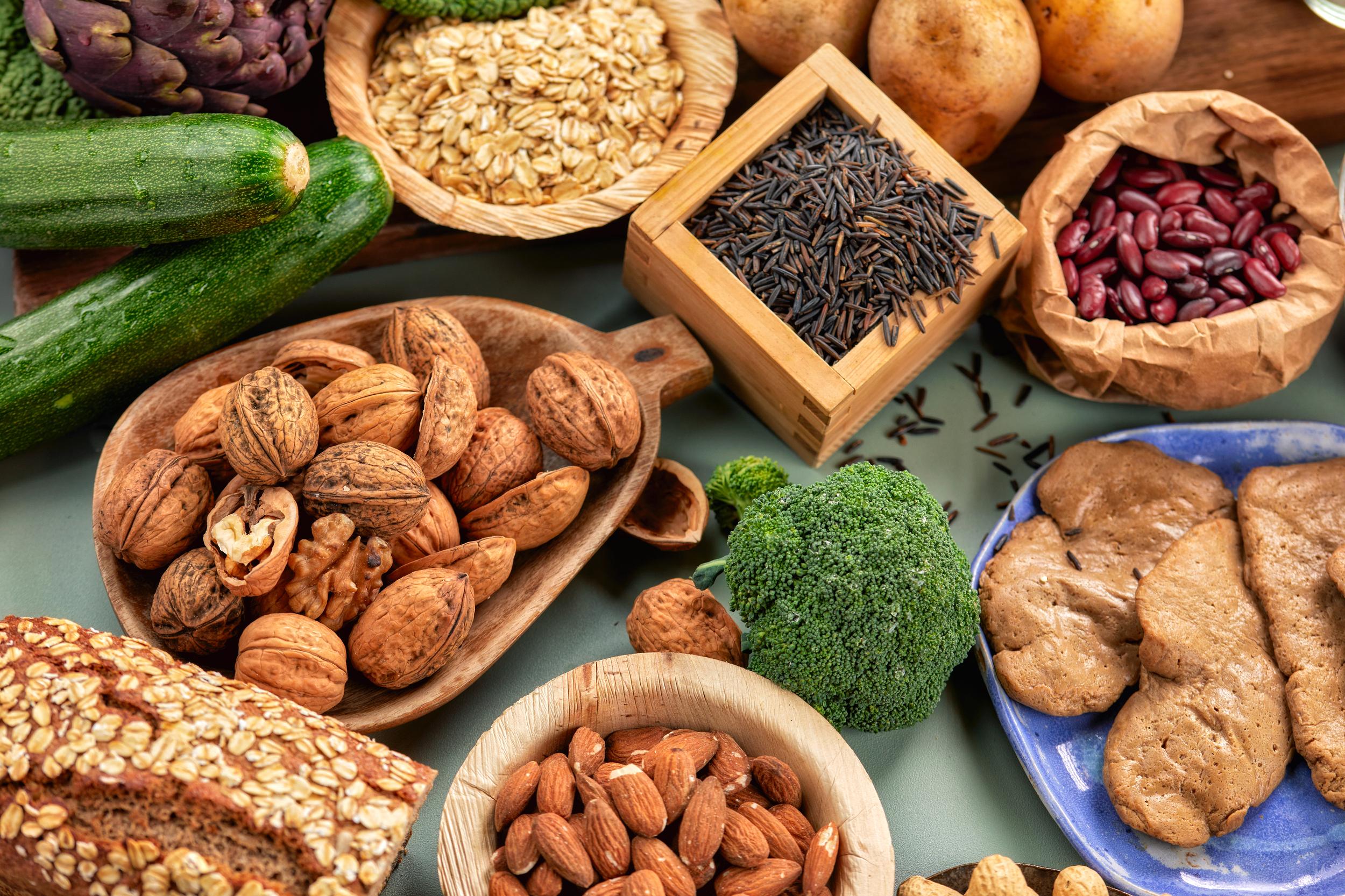 自然界中,藜麥、燕麥、大豆、花椰菜、鷹嘴豆等蔬食食材,含有豐富的植物性蛋白質、維生素與礦物質,可以取代肉類,成為人體所需蛋白質的來源。© Mitja Kobal / Greenpeace