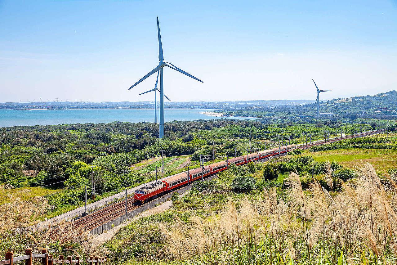 淨零碳排已是全球政府及企業共識,臺灣產業若要繼續維持出口競爭力,必須儘早轉用合乎市場要求的再生能源。© Sean Hsu / shutterstock.com