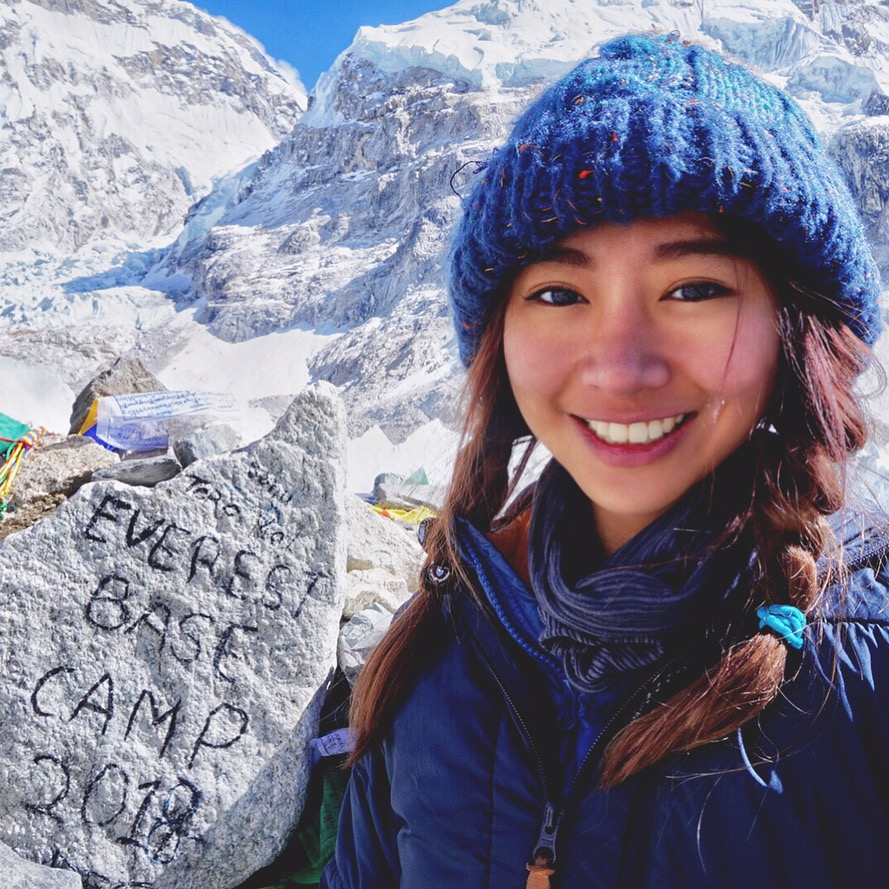 熱愛旅遊的謎卡,擁有豐富的上山下海經驗,甚至到過聖母峰基地營。