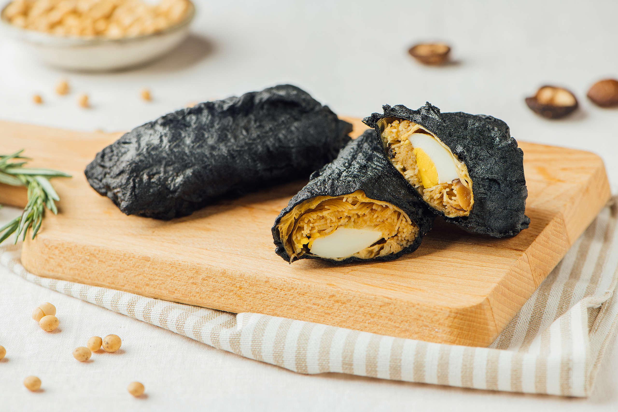 「碳式蔬食風味捲」搭配在地純米米粉,口感綿密滑順,散發淡淡米香。© Greenpeace