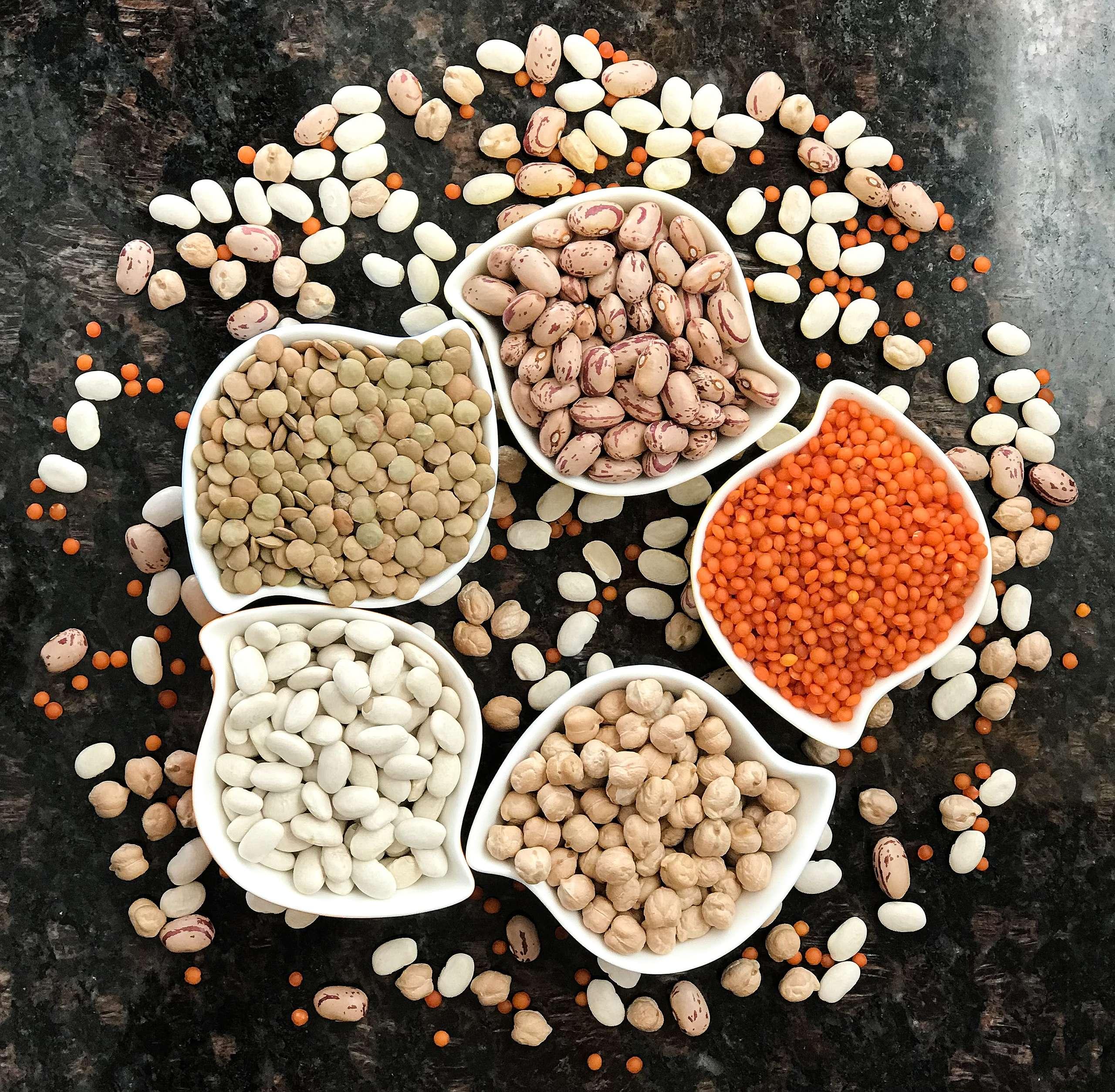 豆類及堅果含有極高的營養價值,適量食用,可為人體補充必須胺基酸及其他營養素。© Colours of Turkey / unsplash.com