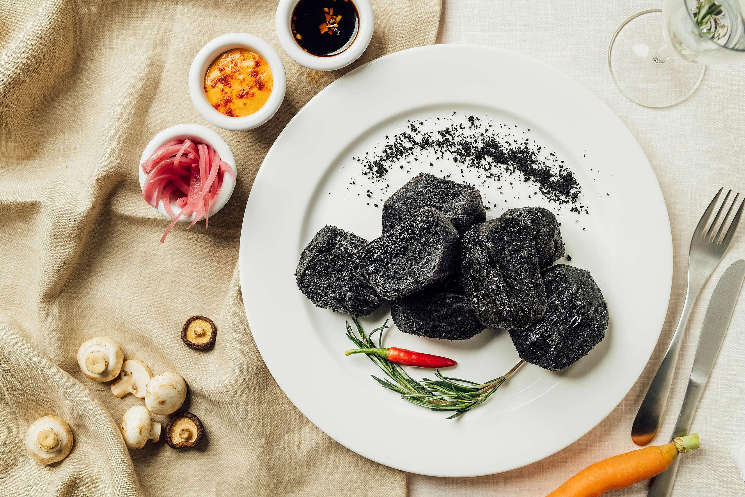 2021年綠色和平在臺灣展開倡議,以「出一張嘴,用吃改變世界」為號召,向大眾推廣透過少肉多蔬的飲食習慣,減緩氣候變遷。© Greenpeace