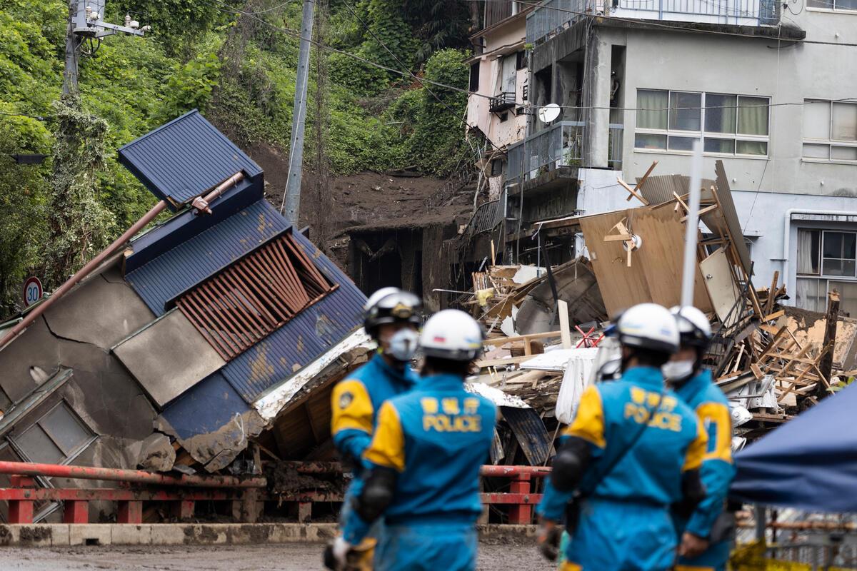 日本靜岡縣熱海市伊豆山區因暴雨引發大規模土石流,逾百間民房受到波及,多人死傷及失蹤。© Masaya Noda / Greenpeace