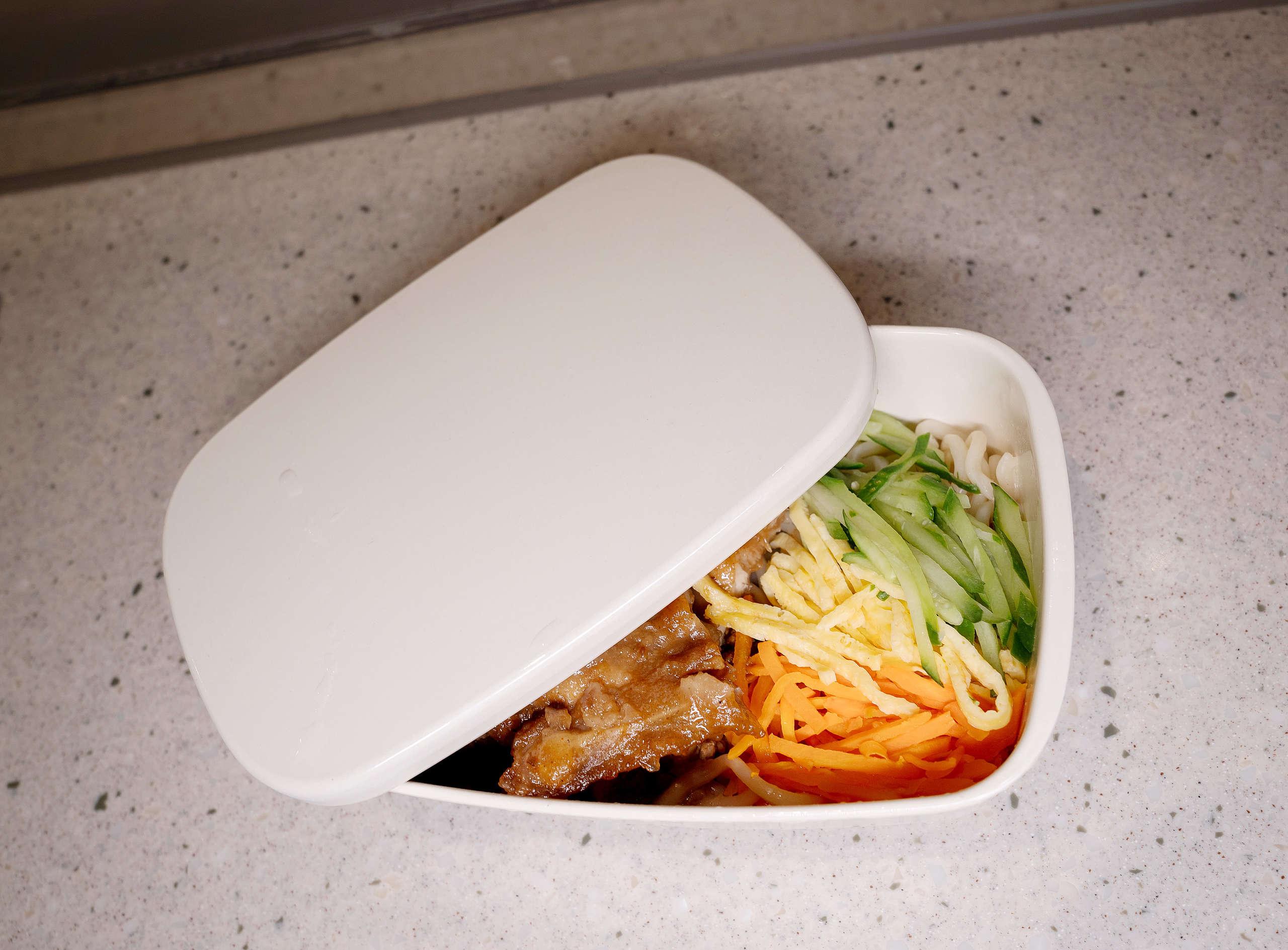 臺灣已有部分店家和超商提供消費者循環容器的外帶選項,民眾只要食用完畢後,再將容器歸還即可,有配合的專業廠商會清洗消毒容器,以供下一輪的使用。