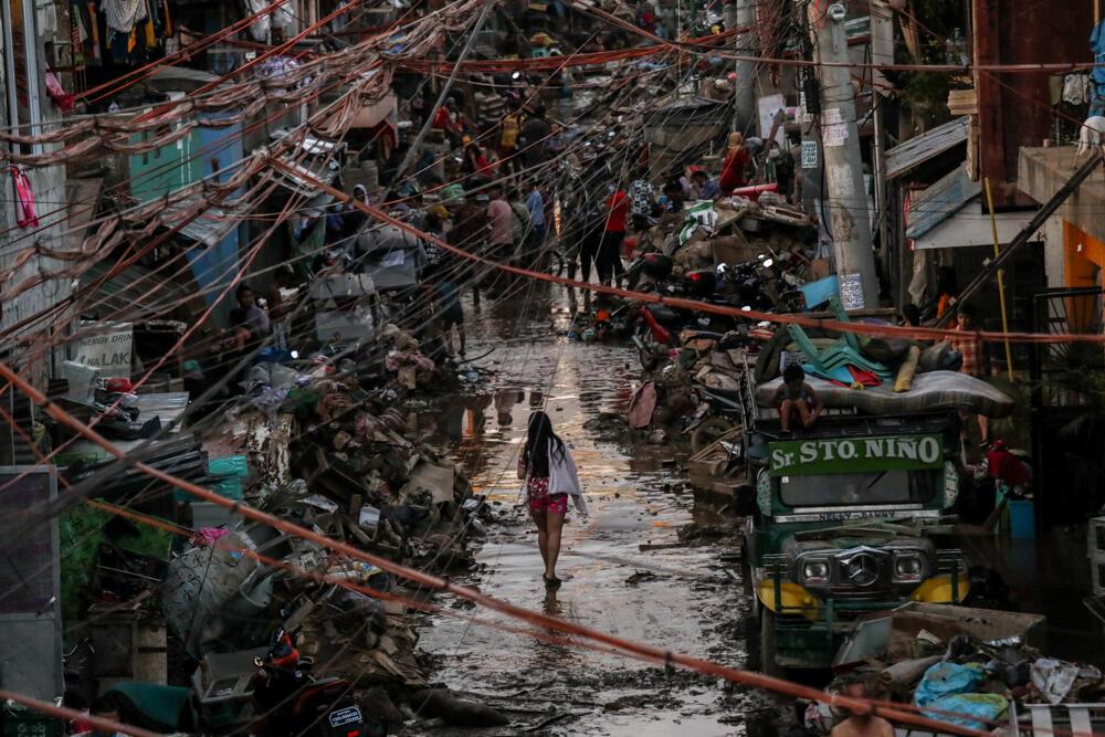 接連橫掃菲律賓的強颱留下滿目瘡痍。