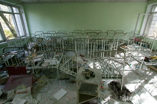 Remains of the kindergarten in the town of Pripyat © Greenpeace / Steve Morgan
