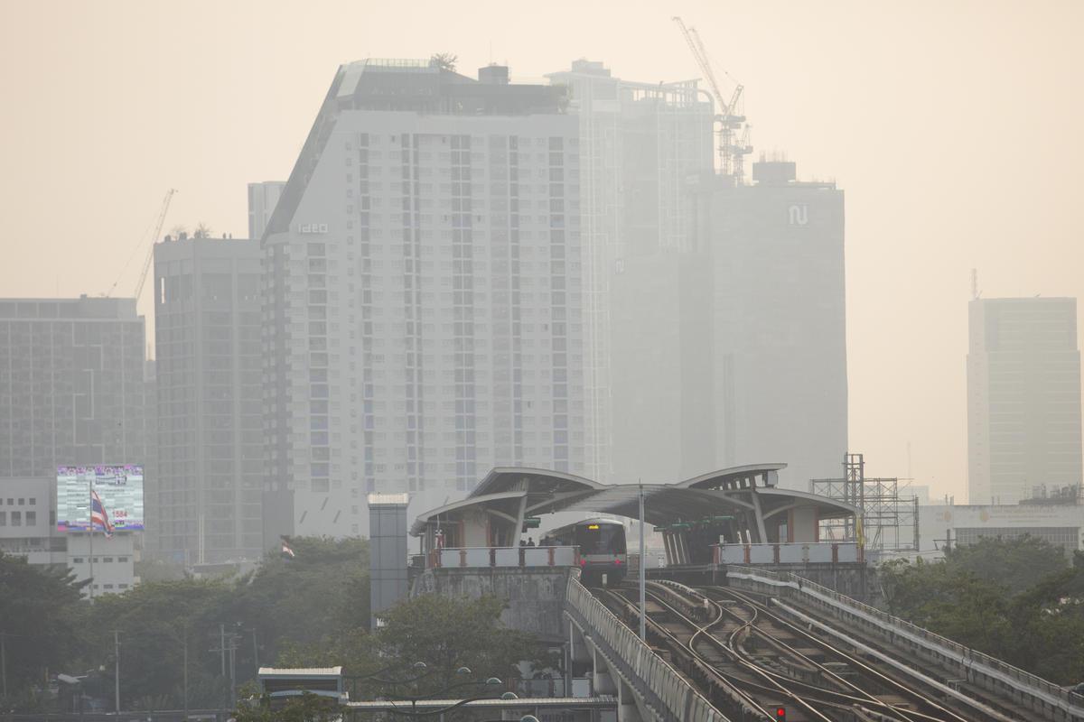 Toxic Smog in Bangkok. © Chanklang Kanthong / Greenpeace