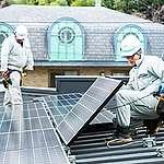 Photovoltaic Installation on Shop Roof in Japan. © Takashi Hiramatsu / Greenpeace
