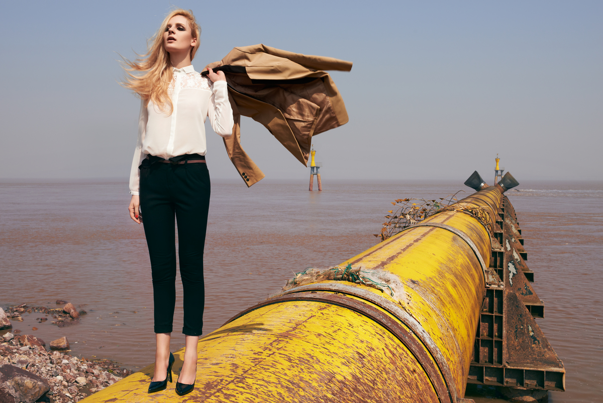 'Toxic Glamour' Fashion Shoot in China. © Lance Lee / Greenpeace