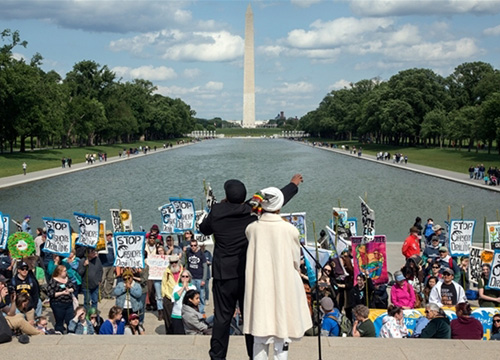 A demonstration speech in front of the Washington Monument in Washington, DC | Greenpeace