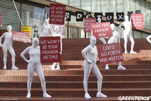 """Greenpeace Action: Levi'S, """"Go Forth And Detox Our Water"""" – And We Should Join!"""