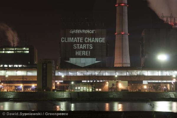 Greenpeace projection on six Polish Coal Power Stations before the Warsaw Climate Change Conference
