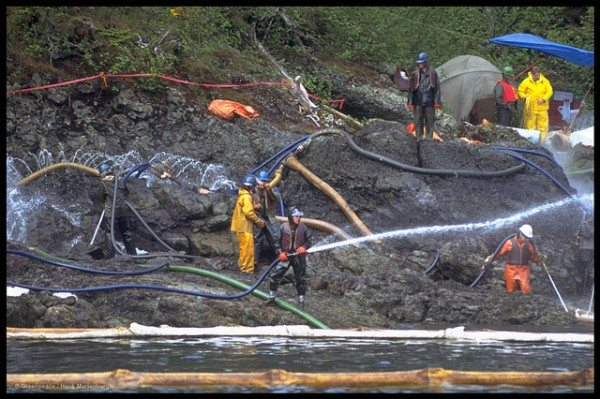 Clean up after Exxon Valdez oil spill using hot & cold water jets.