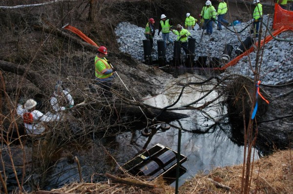 Oil skimming operations and oil recovery efforts at this week's spill in Ohio. Photo courtesy US EPA.