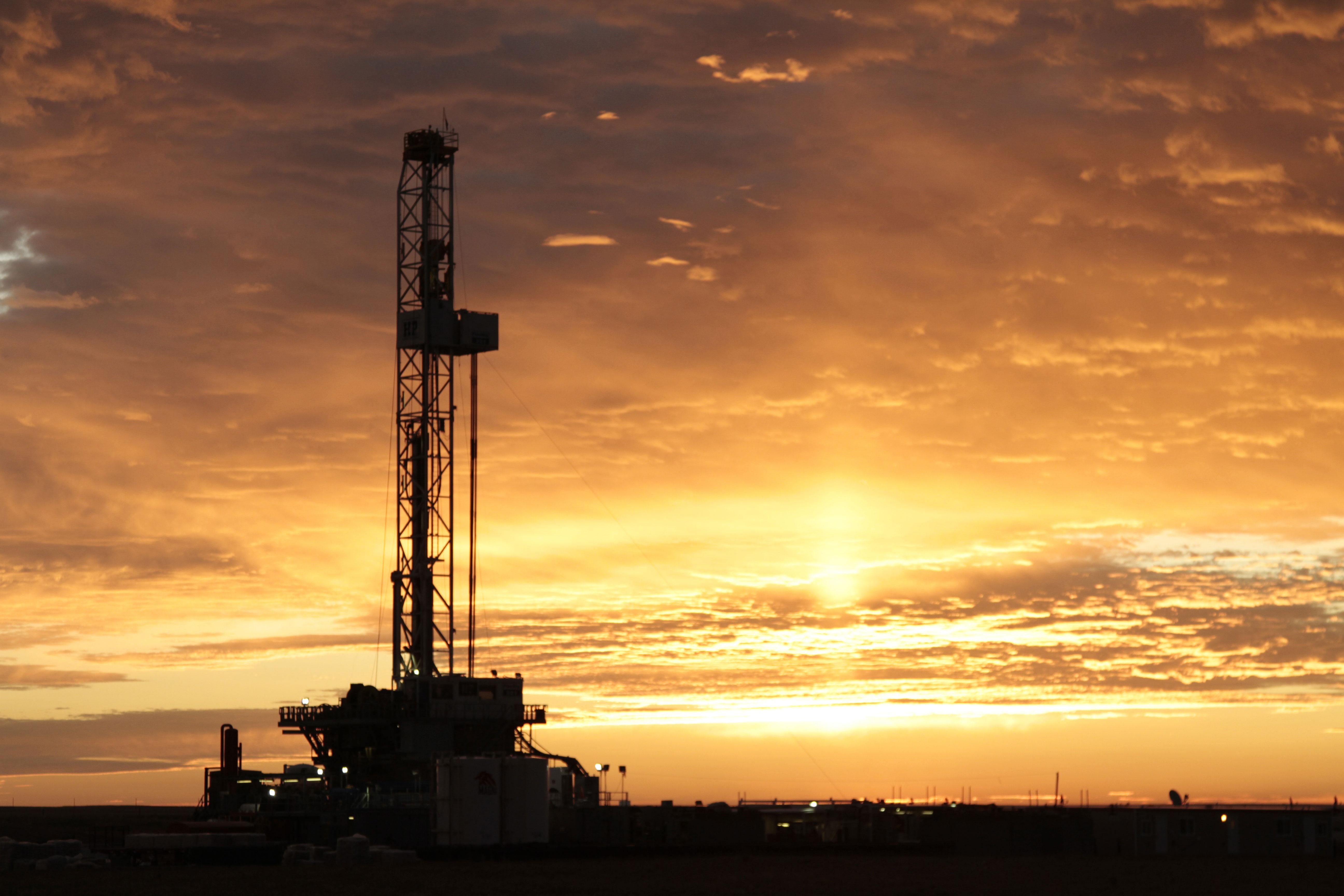 fracking rig